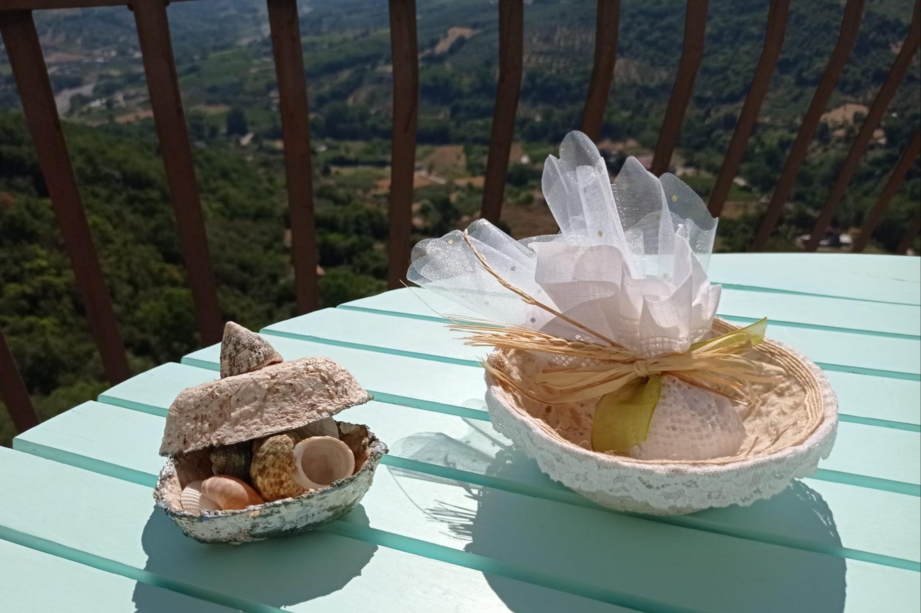 Oggetti con carta di tunica d'aglio